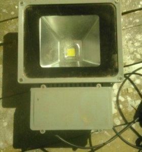 Светодиодный прожектор 80 ватт
