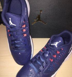 Кроссовки баскетбольные Nike Jordan rising Hi-low