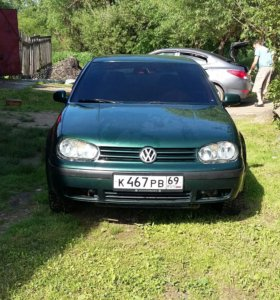 Volkswagen Golf 1.6 МТ, 1999, хетчбэк