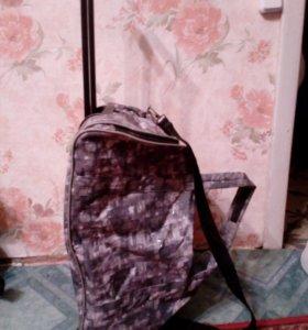 Сумка чемодан, НОВЫЕ произв. россия, на колесиках.