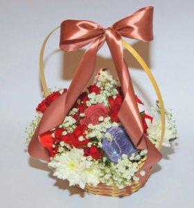 Композиция из мыла и живых цветов