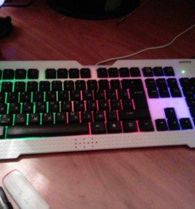 Две Клавиатуры одна с подцветкой
