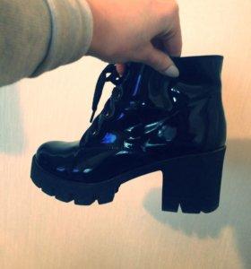 Ботинки женские деми 34р-р