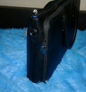 Солидная  мужская сумка деловой стиль