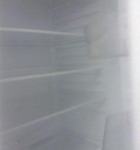 Продам холодильник 1.9м.двух камерный аристон хотп
