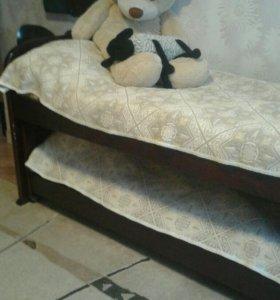 Кровать выдвижная + матрасы
