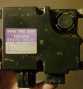 Блок управления турбонаддувом Toyota LC 200