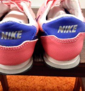 Кроссовки Nike Cortes р.28,5