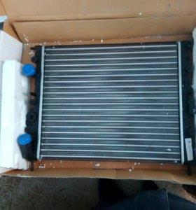 Радиатор на Рено Логан