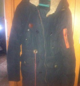 Зимняя куртка пуховая