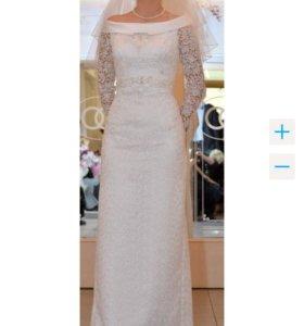 Свадебное платье, фата, шубка, сапоги, перчатки