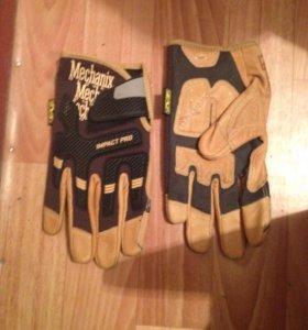 Перчатки противоударные оригинальные.