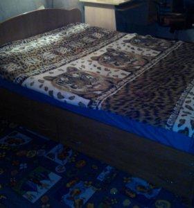 Кровать 2сп.,два отдела снизу,с матрасом