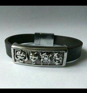 Кожаный браслет с изображением..
