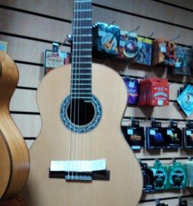 Классическая гитара Doff CM