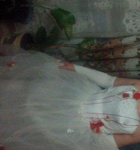 Платье свадебное. Одевалось один раз.