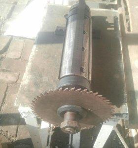 Вал для деревообрабатывающего станка
