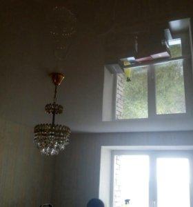 Натяжной потолок белый лаковый для дилеров