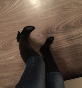 Продам новые осенние кожаные сапоги ботфорты