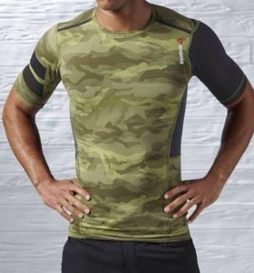 Крутая футболка Reebok