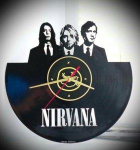 Настенные часы Nirvana из пластинки