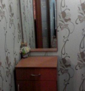 Тумба и зеркало для прихожей