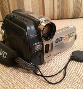 Видеокамера JVC GR-D53E