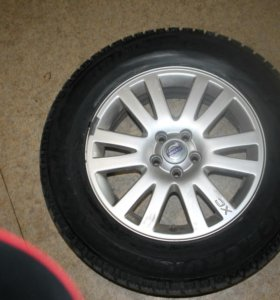 Комплект зимних шин с дисками на Вольву сх 90