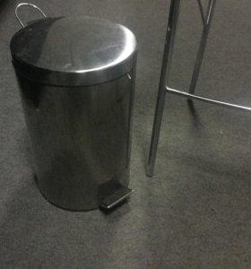 Ведро металлическое с педалью 7 литров