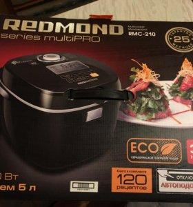 Мультиварка Redmond RMC-210