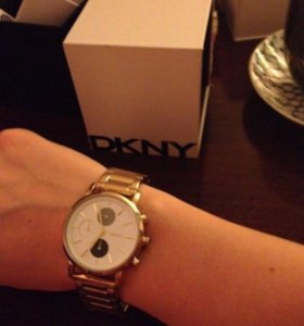 Часы наручные женские DKNY