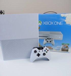Xbox One + 2 геймпада и много игр