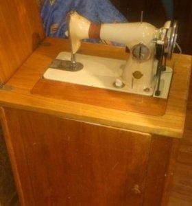 Швейная машинка с электропртводои