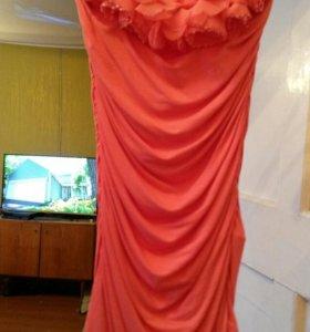 Платье короткое облегающее