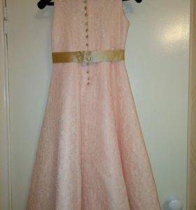 Платье,цвет нежно прсиковый