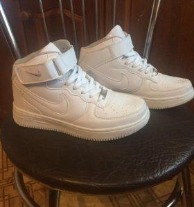 Новые NIKE AIR кроссовки