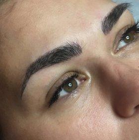 Перманентный макияж в технике отдельных волосков