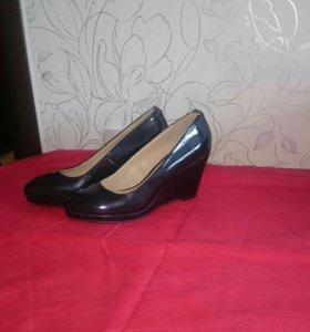 Туфли новые размер 37.5