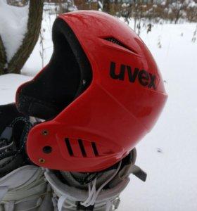 Шлем для сноуборда UVEX.