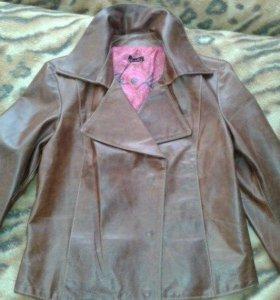 Итальянская куртка кожаная р.44-46