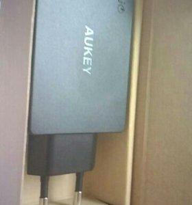Смарт зарядное устройство Aukey (3 usb)
