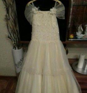 Красивое платье, для девочки 8-10 лет.