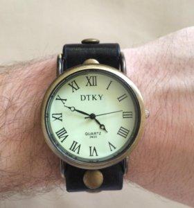 Стильные античные часы