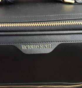 Чемодан Victoria's Secret