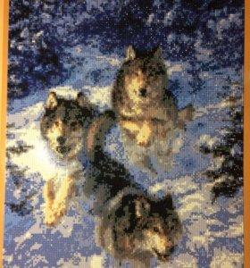 """Картина из страз """"Волки в зимнем лесу"""""""