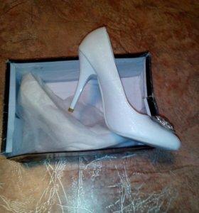 Туфли на выпускной или свадьбу