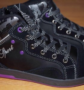 Ботинки новые 32