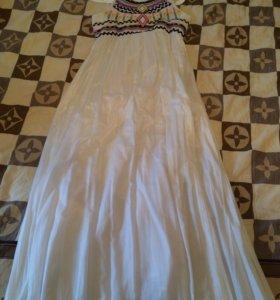 Платье в пол LV