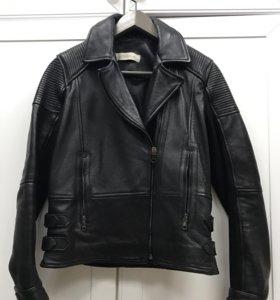 Куртка новая кожаная Uterqüe