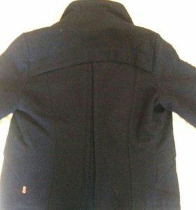 Демисезонное пальто из драпа.